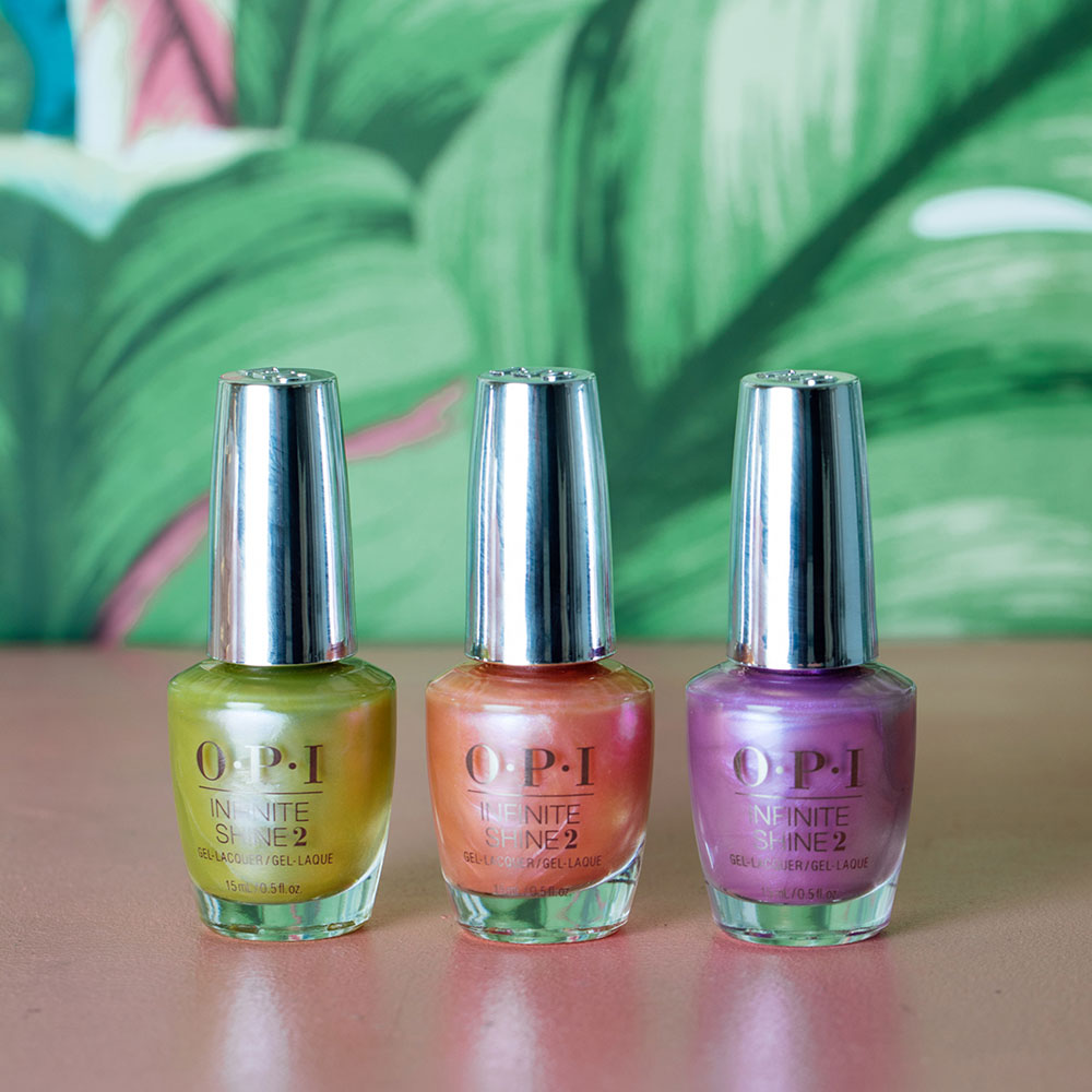 Die Hiddn Prism Collection by OPI bringt den Regenbogen auf die Nägel.