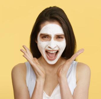 What a peeling! Im grossen Beauty-Guide auf sonrisa werden alle Fragen zum Thema Peeling beantwortet.