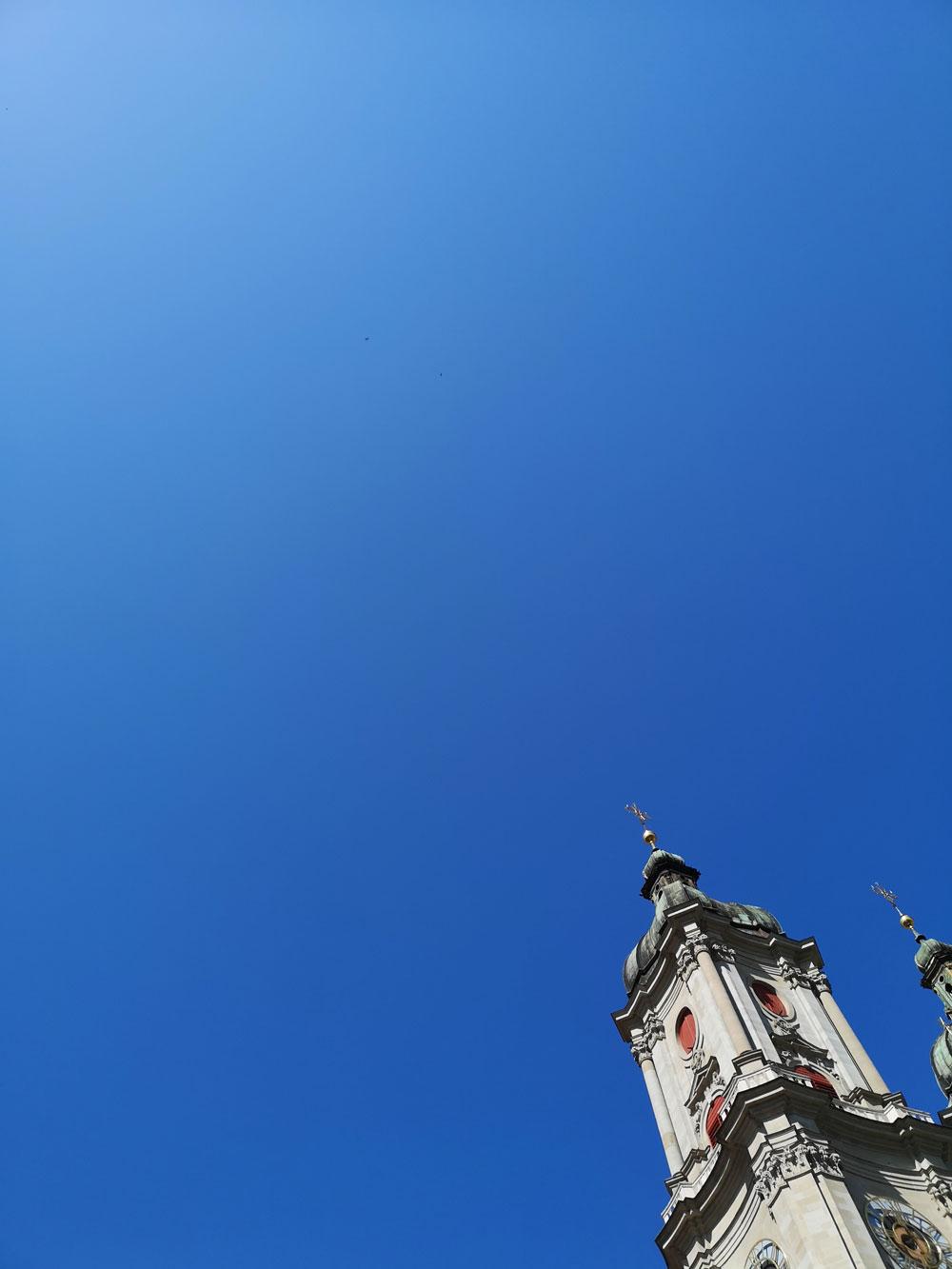 """Warum in die Ferne schweifen, wenn das Gute so nah liegt? In der sonrisa-Serie """"Tour de Suisse"""" verraten Dir Insider ihre Lieblingsorte in der Schweiz. Den Anfang macht Sandra Gimmel mit einem Rundgang durch St. Gallen."""