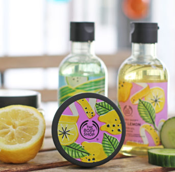 Stay cool and win: sonrisa verlost die neuen, limitierten Sommerkollektionen Cool Cucumber und Zesty Lemon von The Body Shop.