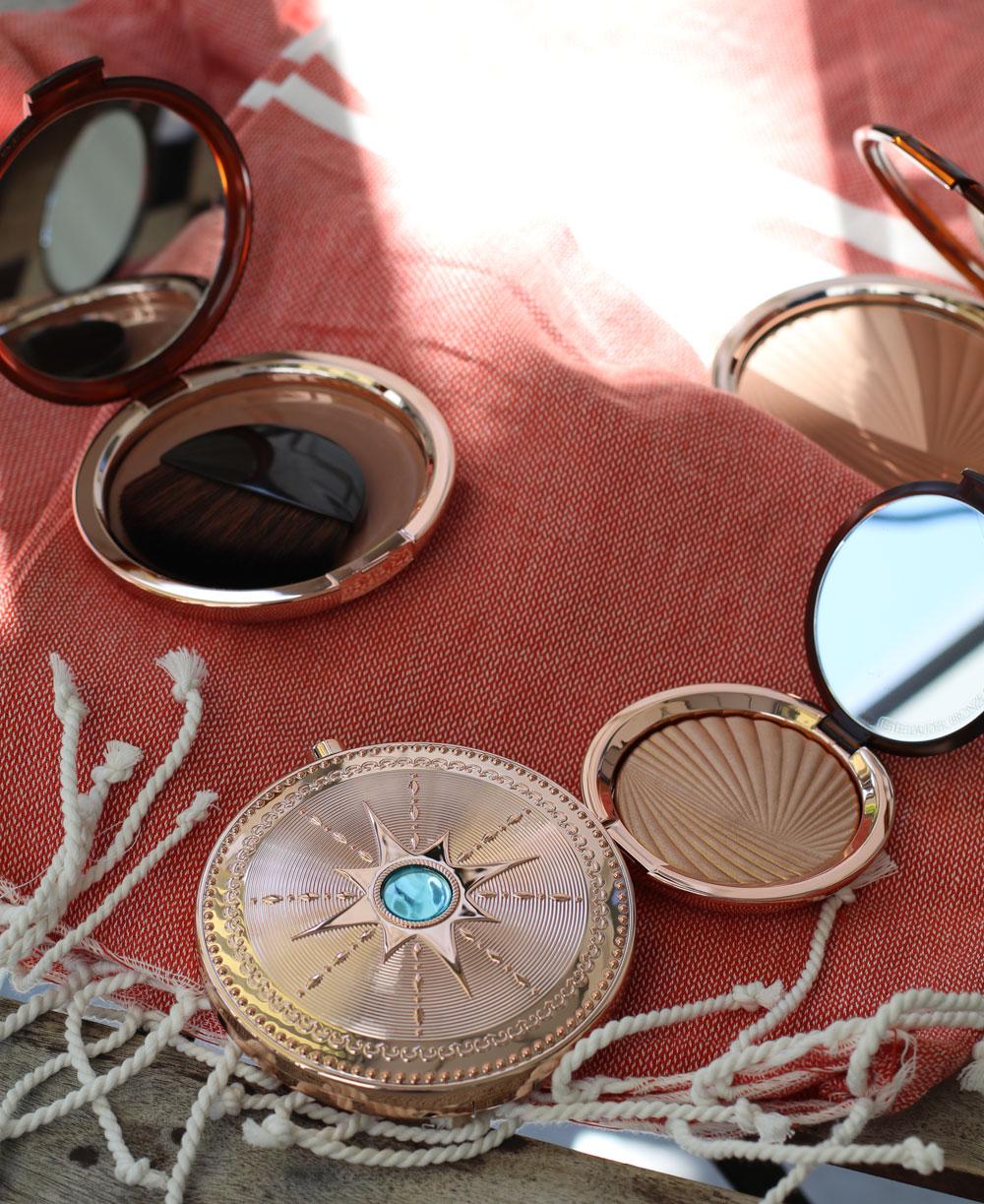 Auf sonrisa gibt es die neue Bronze Goddess Azur Kollektion von Estée Lauder nicht nur zum Anschauen, sondern auch zum Gewinnen! Viel Glück!