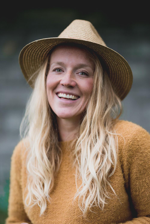 sonrisa im Interview mit Waldbaden-Retreats Begründerin Melanie Uhkoetter.