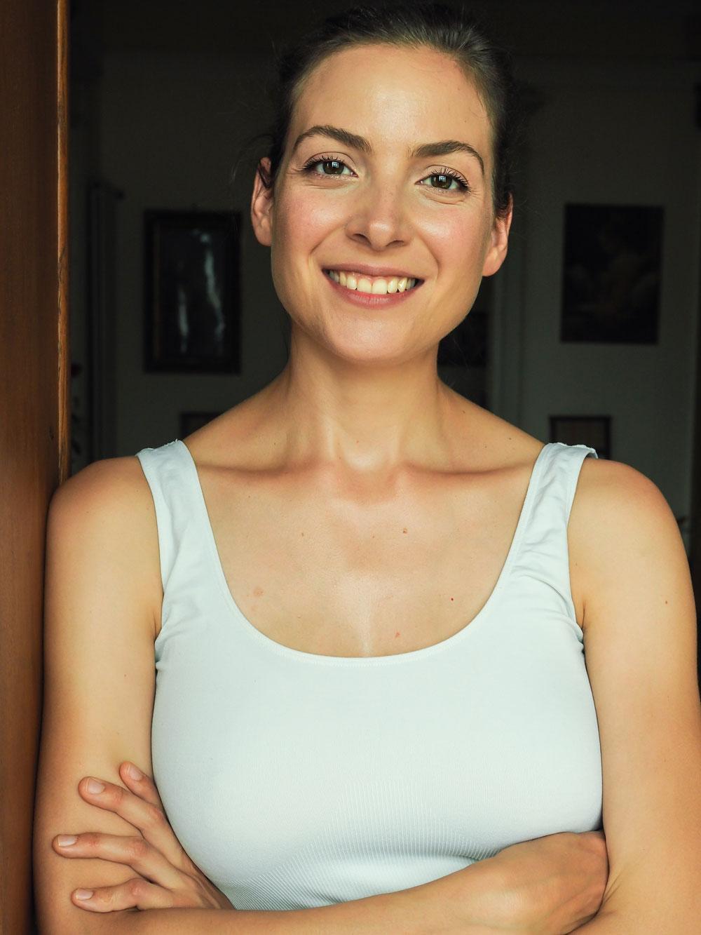Im grossen Clean Beauty Guide auf sonrisa werden alle Fragen zu diesem komplexen von Expertin Anna Mandozzi beantwortet.