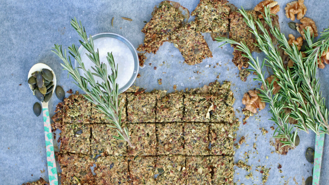 Snack Dich schön: Rosmarin Zucchini Cracker