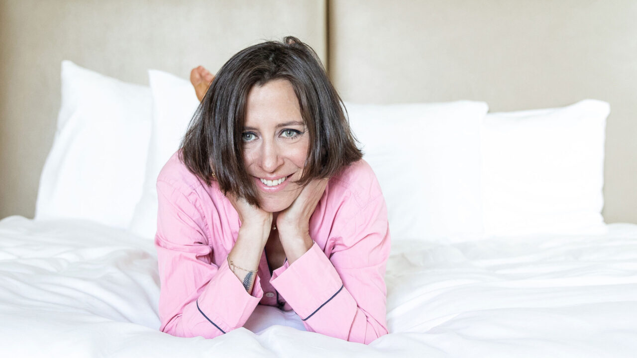 Kurze Nacht gehabt? sonrisa verrät die besten Tipps, wie man trotz wenig Schlaf gut durch den Tag kommt.