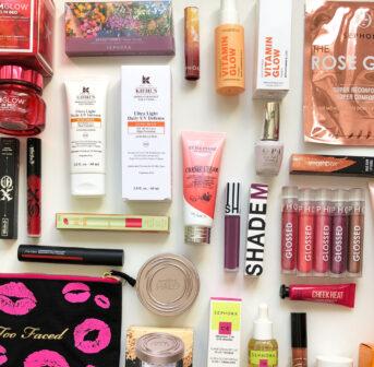 Win red: Bei der grossen Instagram-Verlosung gibt es ein riesiges Beauty-Kit in Rot zu gewinnen!