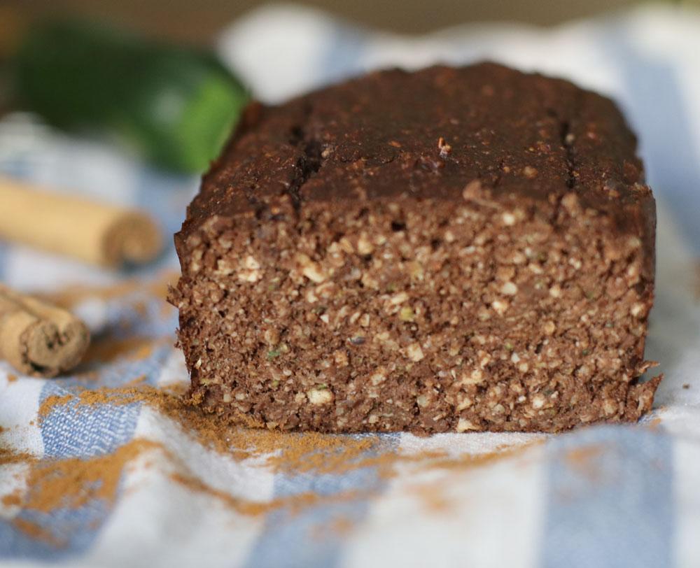 Schmeckt lecker, enthält viele gesunde Schönmacher und ist schnell gemacht: der Zucchini-Schokoladen Kuchen à là sonrisa.