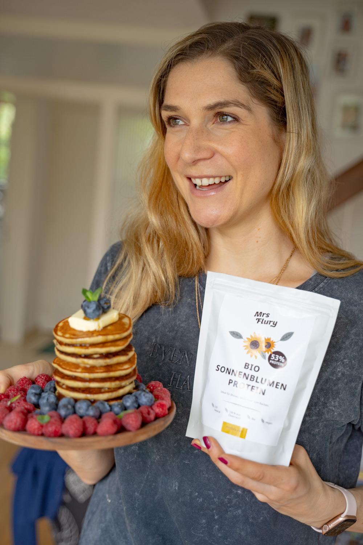 Ernährungsexpertin Doris Flury beantwortet auf sonrisa im grossen FAQ über alle Fragen zu jenem Nährstoff,  der gerade im wahrsten Sinne des Wortes in aller Munde ist.