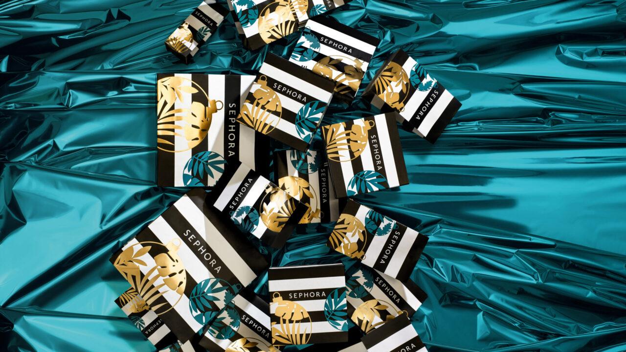 You can win: Zum internationalen Weltnettigkeitstag verlost sonrisa zwei Beauty-Sets von Sephora aus der Weihnachtskollektion 2020!