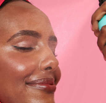 Lassen XL-Poren optisch kleiner wirken: Die Produkte der Porefessional-Linie von Sephora, die um einen neuen Setting Spray erweitert worden ist.