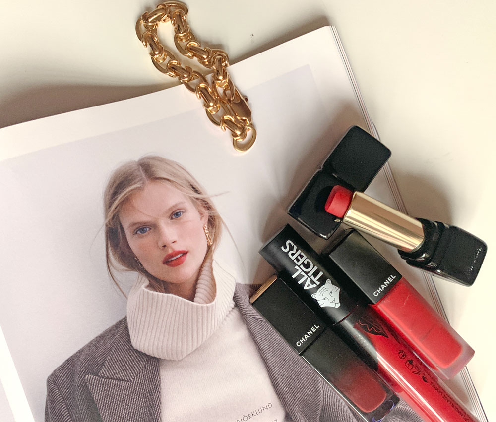 Auf sonrisa gibt es eine einfache Anleitung für die angesagten Blurred Lips.