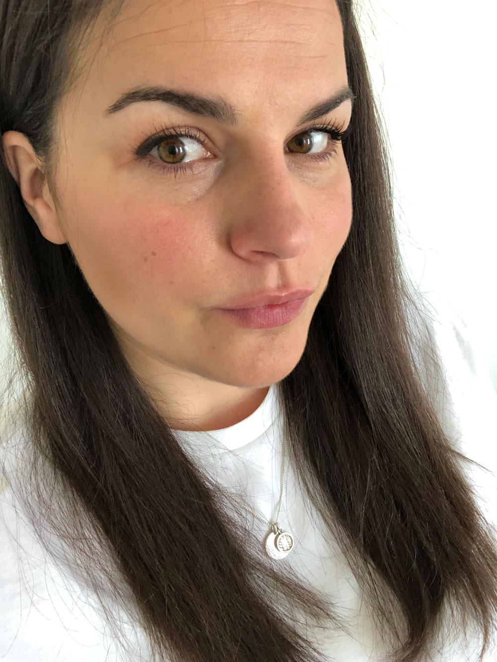 Worth the hype? Gastbloggerin Tizi testet exklusiv für sonrisa die beiden neuen Foundation-Seren von Ilias und Kosas.