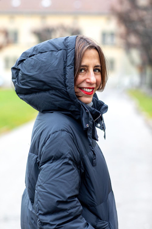 sonrisa knabbert am Dreikönigskuchen und träumt dabei vom perfekten Beauty-Blogger-Königsreich.