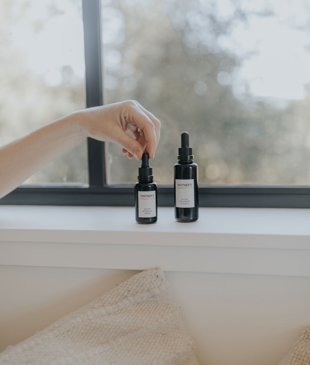 Girlboss und Beauty-Unternehmerin April Gargiulo spricht im exklusiven Interview mit sonrisa über ihren Brand Vintner's Daughter, Frauenquoten und die parellelen zwischen Wein und Hautpflege.
