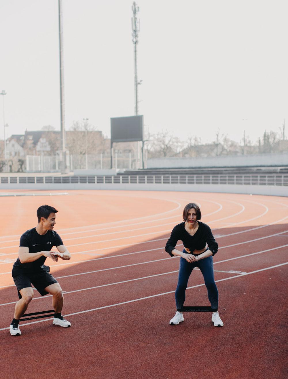 Körperlich und mental in Bestform: sonrisa hat die Details zum neuen Body & Mind Programm von Personal Trainer und Mental Coach Julien Hirano.