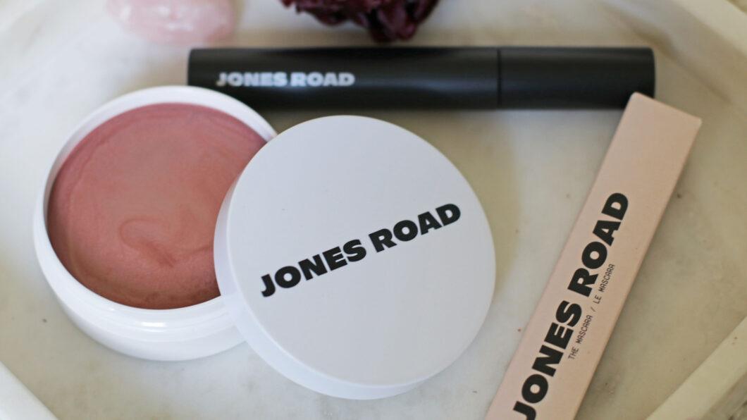 Jones Road: Alles, was Du über die neue Makeup-Linie von Bobbi Brown wissen musst