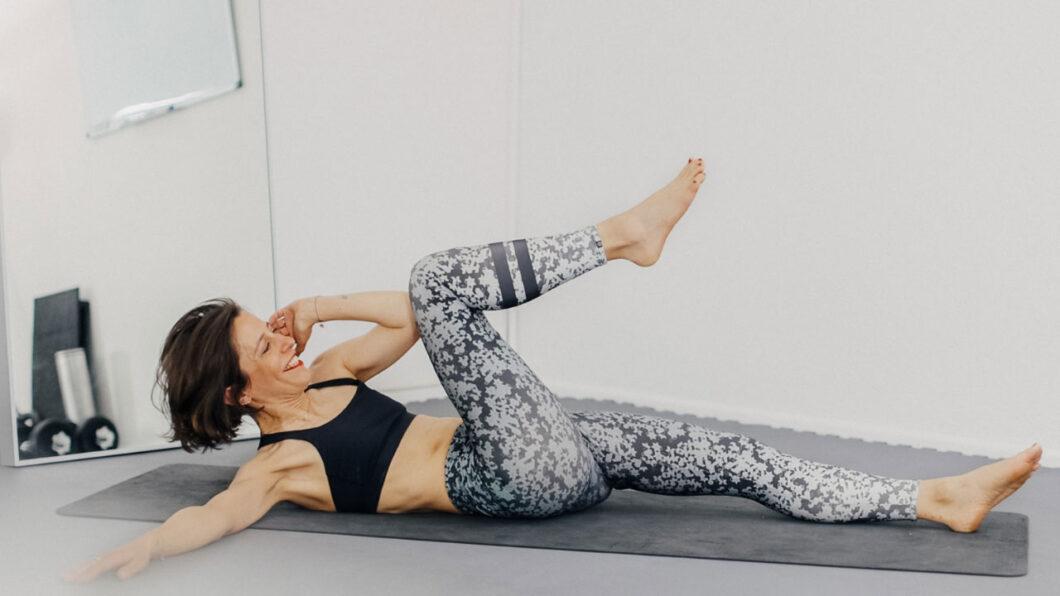 sonrisa x HIRANOTRAINING: fünf Übungen für einen starken Bauch