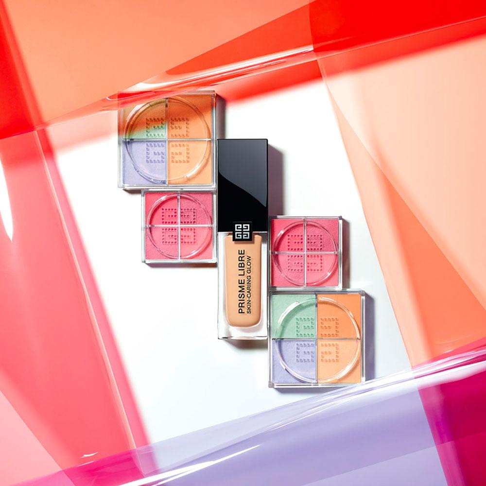 Das neue Rouge Prisme Libre von Givenchy sorgt für eine frischen Glow wie nach einem ruhigen Wochenende im Spa.