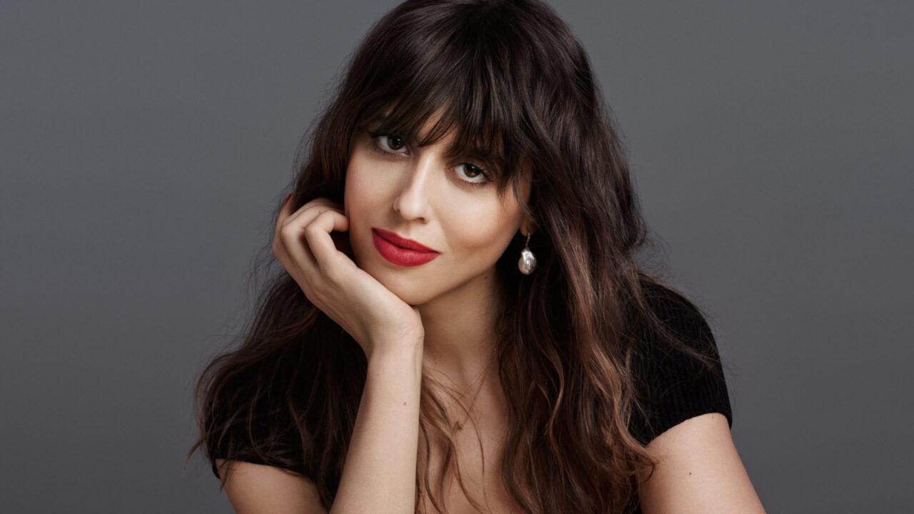 Congratulations: Makeup-Talent Violette wurde zur neuen Global Director of Makeup Creations von Guerlain ernannt und löst damit Beauty-Legende Olivier Echaudemaison ab.