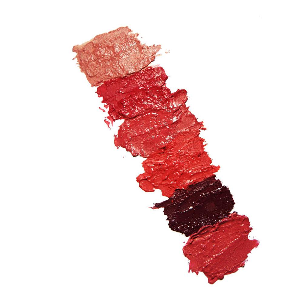 Die Gesichtsmaske gehört immer noch zum Alltag, aber bei Guerlain und Estée Lauder setzt man trotzdem auch auf schöne Lippen!