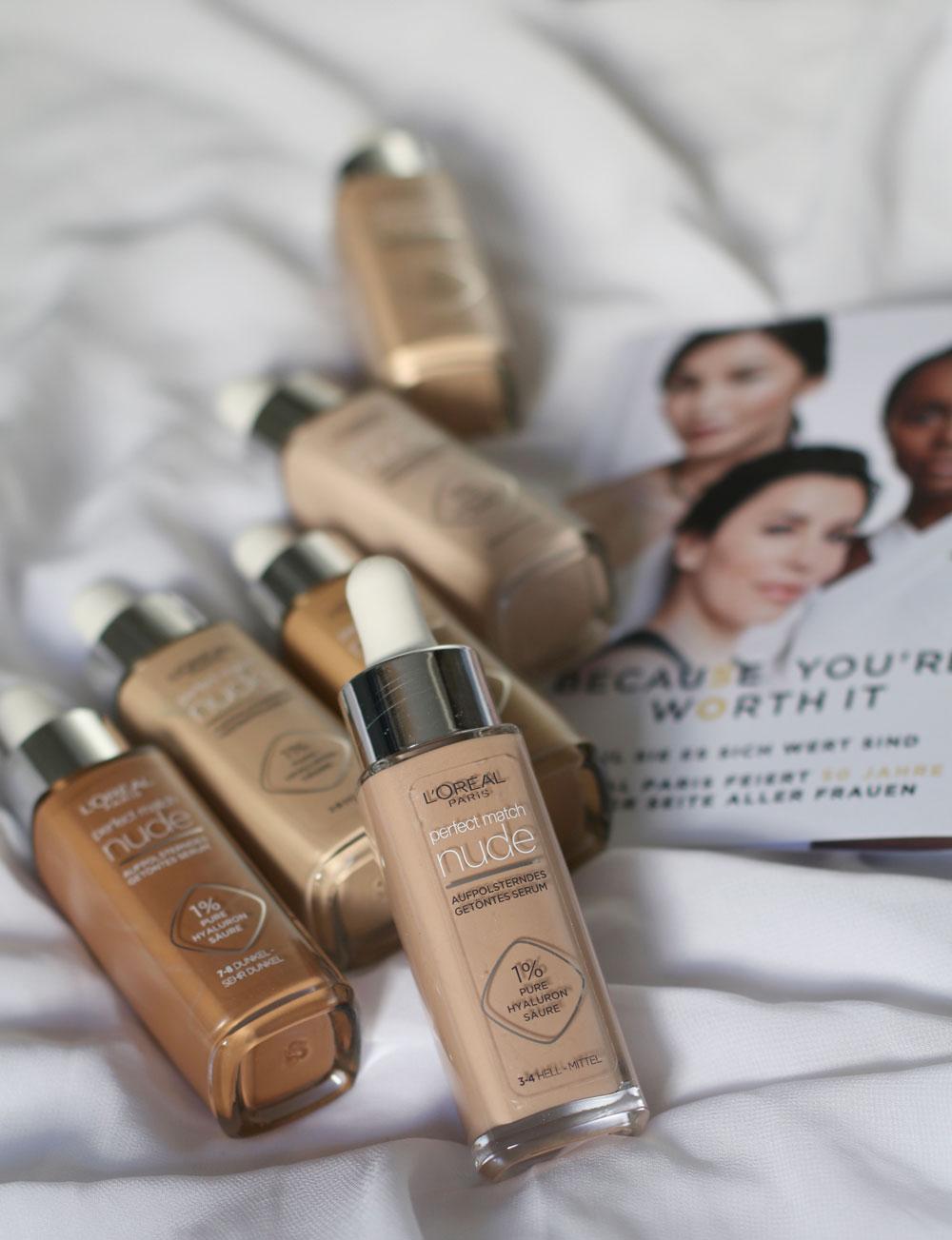 Schnell und effizient: In der Rubrik Beauty-Quickie stellt sonrisa praktische Kosmetik-Artikel vor, mit denen sich wertvolle Zeit einsparen lässt - wie etwa dem neuen Perfect Match getönten Serum von L' Oréal Paris.