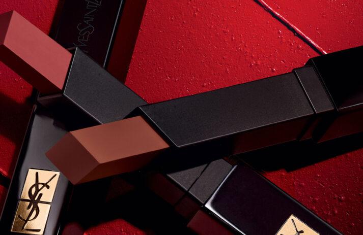 YSL Beauty erweitert mit der Velvet Radical Collection die beliebte The Slim-Serie um neue Lippenstifte in besonders samtiger Textur.