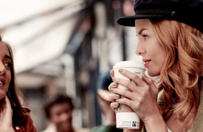 Hoch die Tassen! sonrisa verlost ein exklusives Kaffee-Set von Starbucks im Wert von über 100 CHF. Einfach so, weil Du es verdient hast!