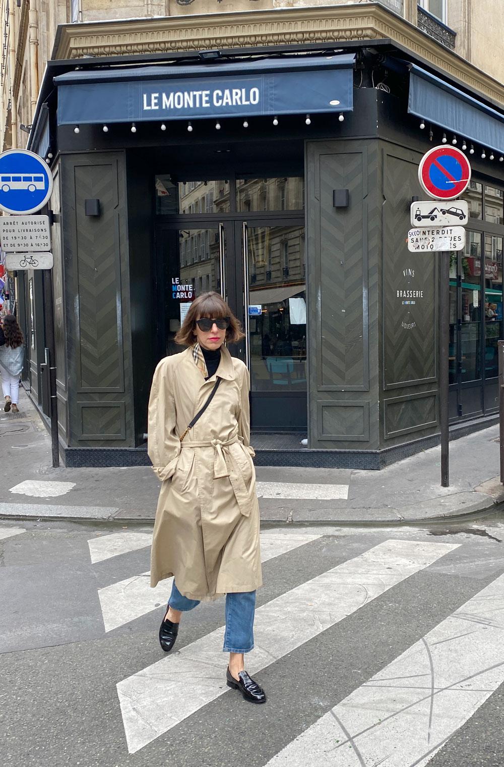 sonrisa reiste nach Paris, um den verhüllten Arc de Triomphe zu sehen und machte dabei eine Beauty-Entdeckung.